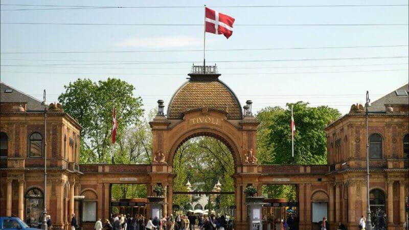 Tivoli Gardens Copenhagen Luggage storage