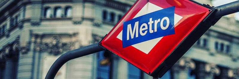 Deja el equipaje cerca de las estaciones de metro de Madrid