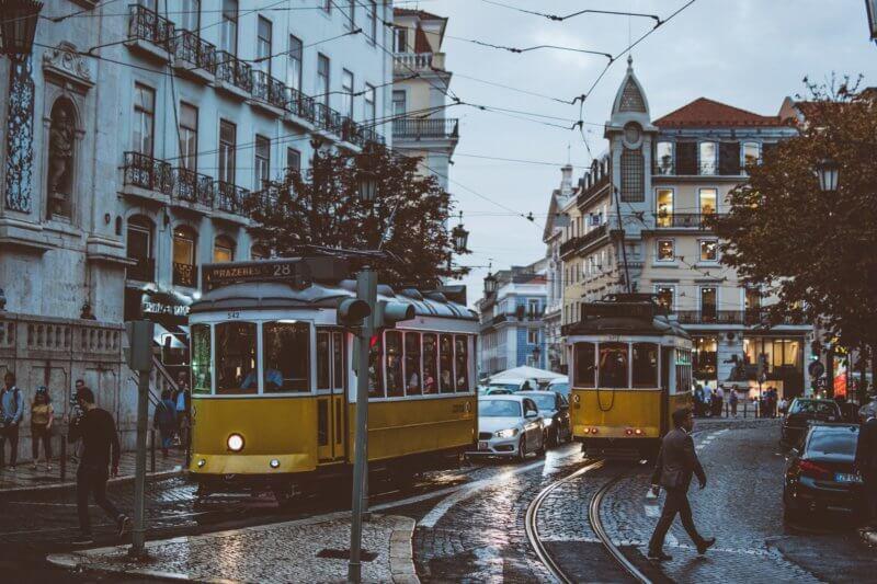 Store your luggage in Alfarma, Lisbon