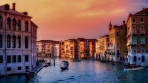 Italy travel statistics - LuggageHero
